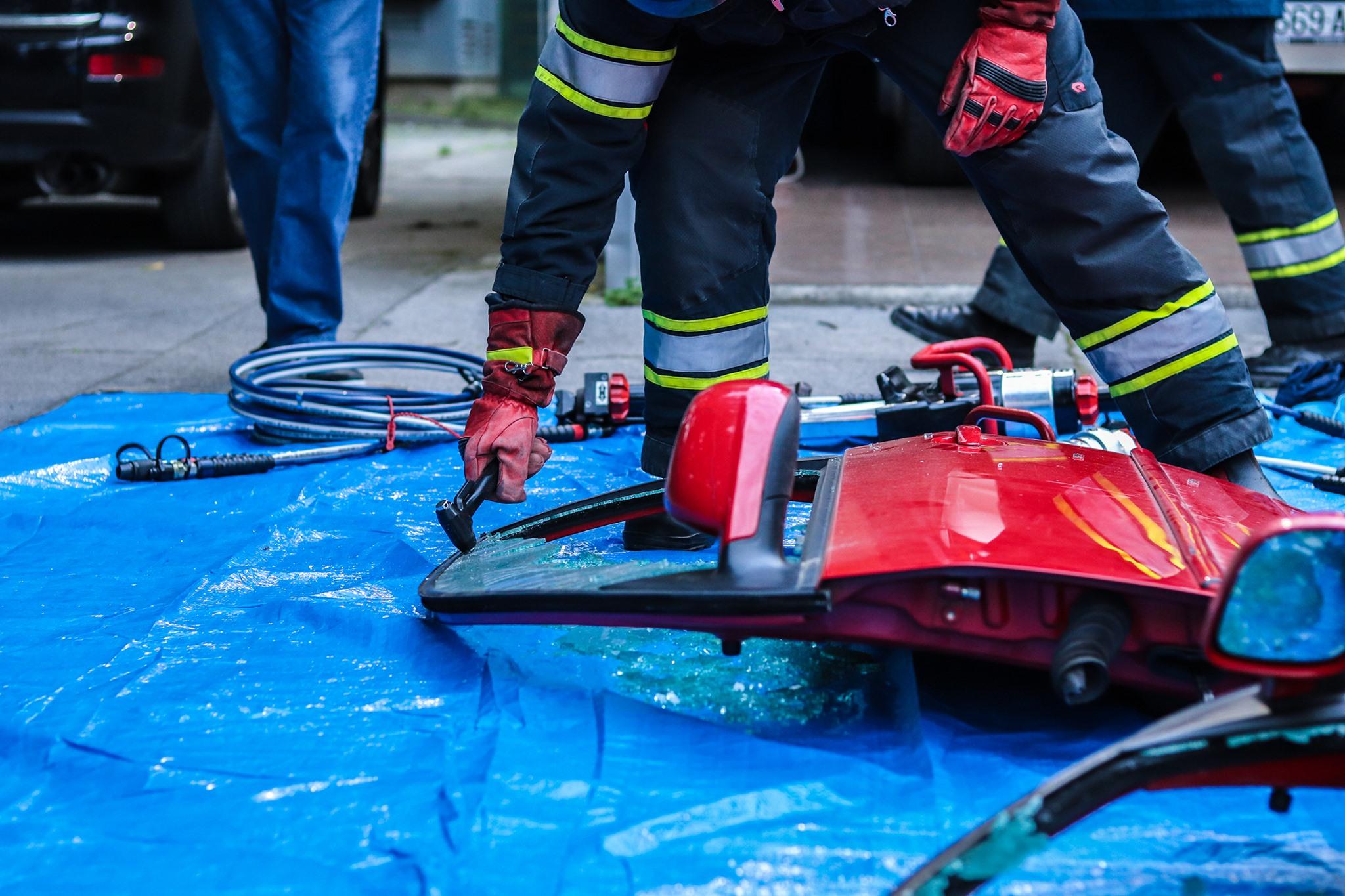 Rad s hidrauličnim alatima